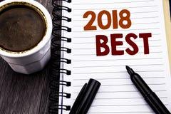 Texto de la escritura que muestra a 2018 el mejor concepto del negocio para el comentario bien escogido escrito en el documento d Foto de archivo
