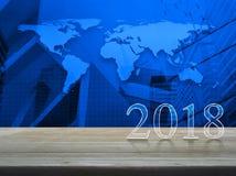 Texto de la Feliz Año Nuevo 2018 en la tabla de madera, elementos de esta imagen Imagen de archivo libre de regalías