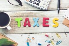 Texto de los impuestos fotos de archivo libres de regalías
