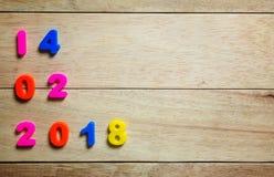 Texto de madeira do vintage feliz de Valentine Day para o 14 de fevereiro no vintage Fotografia de Stock