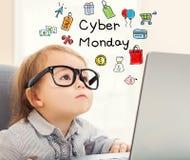 Texto de segunda-feira do Cyber com menina da criança fotografia de stock royalty free