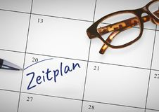 Texto de Zeitplan escrito no calendário com marcador fotos de stock royalty free