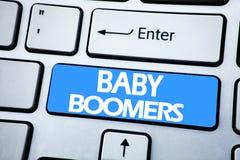 Texto del aviso de la escritura que muestra a nacidos en el baby boom Concepto del negocio para la generación demográfica escrita imagen de archivo