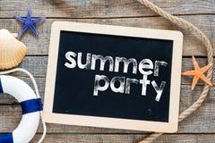 Texto del partido del verano en la pizarra Foto de archivo libre de regalías