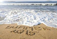Texto del verano 2015 en la playa del mar Imagenes de archivo