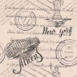 Texto descolorado, sellos y la estatua de la libertad con poner letras a Nueva York, acrópolis dibujada mano de Atenas, poniendo  Stock de ilustración