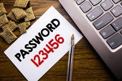 Texto do anúncio da escrita que mostra a senha 123456 Conceito do negócio para o Internet da segurança escrito no papel de nota p Fotografia de Stock
