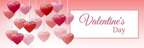 Texto do dia do ` s do Valentim e corações borbulhantes dos Valentim que penduram na corda com caixa vazia Fotos de Stock Royalty Free