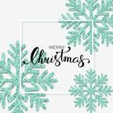 Texto do Feliz Natal com rotulação da mão Fundo w do Natal Foto de Stock