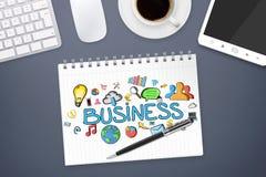 Texto e iconos del negocio en fondo de la oficina Imagen de archivo