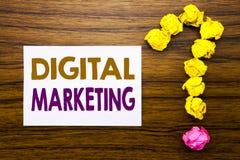 Texto escrito à mão que mostra o mercado de Digitas Conceito do negócio para a estratégia empresarial escrita no papel de nota pe Imagem de Stock