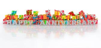 Texto feliz de la plata del aniversario y regalos varicolored Fotografía de archivo