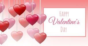 Texto feliz do dia do ` s do Valentim e corações borbulhantes dos Valentim que penduram na corda com caixa vazia Foto de Stock