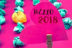 Texto olá! 2018 da escrita da palavra O conceito do negócio para começar uma mensagem inspirador 2017 do ano novo está sobre o ho Fotografia de Stock Royalty Free