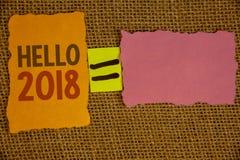 Texto olá! 2018 da escrita da palavra O conceito do negócio para começar uma mensagem inspirador 2017 do ano novo está sobre os n Imagens de Stock Royalty Free