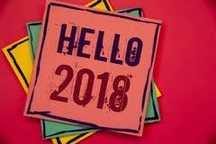 Texto olá! 2018 da escrita da palavra O conceito do negócio para começar uma mensagem inspirador 2017 do ano novo está sobre o pa Imagem de Stock Royalty Free