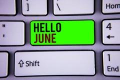 Texto olá! junho da escrita da palavra O conceito do negócio para começar uma mensagem nova maio do mês está sobre começar do ver Fotos de Stock