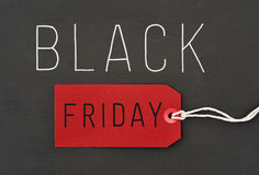 Texto viernes negro contra un fondo gris oscuro Fotografía de archivo libre de regalías