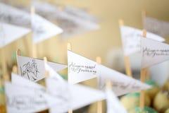 Textos en estallidos de la torta Imagen de archivo libre de regalías