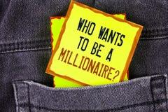 Textotez l'apparence de signe qui veut être une question de millionnaire La photo conceptuelle gagnent plus d'argent appliquant l Image stock