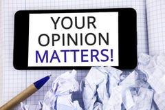 Textotez le signe montrant à vos sujets d'opinion l'appel de motivation Les commentaires conceptuels de rétroaction de client de  photos libres de droits