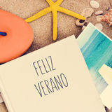 Textotez le verano de feliz, été heureux dans l'Espagnol images libres de droits
