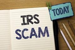 Texttecken som visar Irs Scam Begreppsmässigt foto som varnar för Pishing för Scam bedrägeriskatt som intrigen för varning för in Royaltyfria Bilder