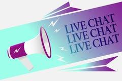 Texttecken som visar Live Chat Live Chat Live pratstund Begreppsmässigt foto som talar med loudspeak för megafon för folkvänsläkt Arkivbild