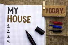 Texttecken som visar mitt hus Gods för hushåll för familj för egenskap för begreppsmässigt fotohushem som bostads- nytt är skrift royaltyfri bild