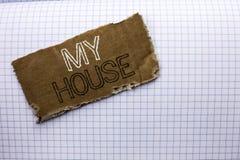 Texttecken som visar mitt hus Gods för hushåll för familj för egenskap för begreppsmässigt fotohushem som bostads- nytt är skrift royaltyfri fotografi
