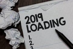 Texttecken som visar päfyllning 2019 Begreppsmässigt foto som annonserar det kommande året som förutser den framtida händelsemark arkivfoto