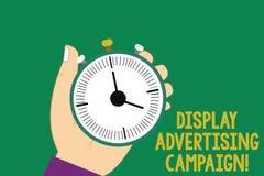 Texttecken som visar skärmreklamkampanjen Det begreppsmässiga fotoet framför ett kommersiellt meddelande genom att använda diagra royaltyfri illustrationer