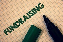 Textteckenvisning som Fundraising Begreppsmässigt fotosökande av ekonomisk hjälp för välgörenhetorsak eller företag kvadrerad öpp fotografering för bildbyråer
