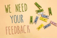 Textteckenvisningen behöver vi din återkoppling Det begreppsmässiga fotoet ger oss dina granskningtankar kommentarer vad för att  arkivfoton