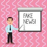 Textteckenvisningen fejkar nyheterna Falska berättelser för begreppsmässigt foto som verkar att fördela på internet genom att anv stock illustrationer