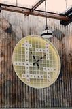 Textträtecken på väggen Royaltyfri Fotografi