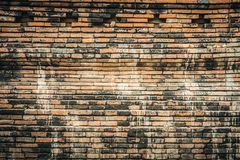 Textur av den gamla forntida tegelstenväggen Royaltyfria Bilder