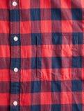 Textur av den rutiga flanellskjortan royaltyfria bilder