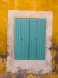 Textur av det gamla fönstret Arkivfoto