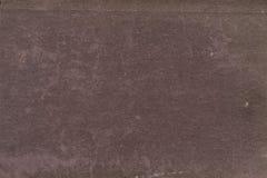 Textur av det rödbruna åldriga pappers- arket, smutsfläckar, fläckar, skrynkla, grungetappningbakgrund fotografering för bildbyråer