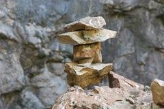 Textur av en hög av bergstenar Arkivbild