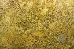 Textur av forntida guld- metallyttersida, abstrakt bakgrund, tapet Arkivbilder