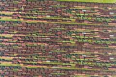 Textur av gamla järnvägdrev och rostiga behållare Arkivfoto