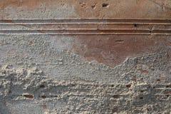 Textur av gammal riden ut tegelsten i hårt direkt solljus arkivbild
