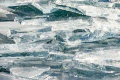 Textur av isyttersida, sprucket sväva för is Arkivbilder
