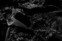 Textur bakgrund, modell svart tygsilk Med sydd patte Arkivfoton