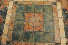 Textur belagt med tegel golv i en mosaikstil Royaltyfri Bild