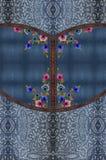 Textur för blått för jeansbroderiblommor royaltyfria bilder