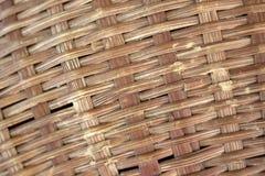 Textura ascendente tejida Brown del cierre del bambú fotos de archivo