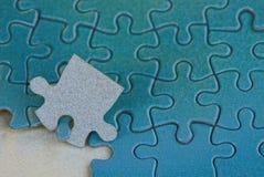 Textura azul cinzenta brilhante dos enigmas de papel Fotografia de Stock Royalty Free